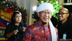Survei Poltracking: Elektabilitas Aa Gym Kalahkan Dedi Mulyadi