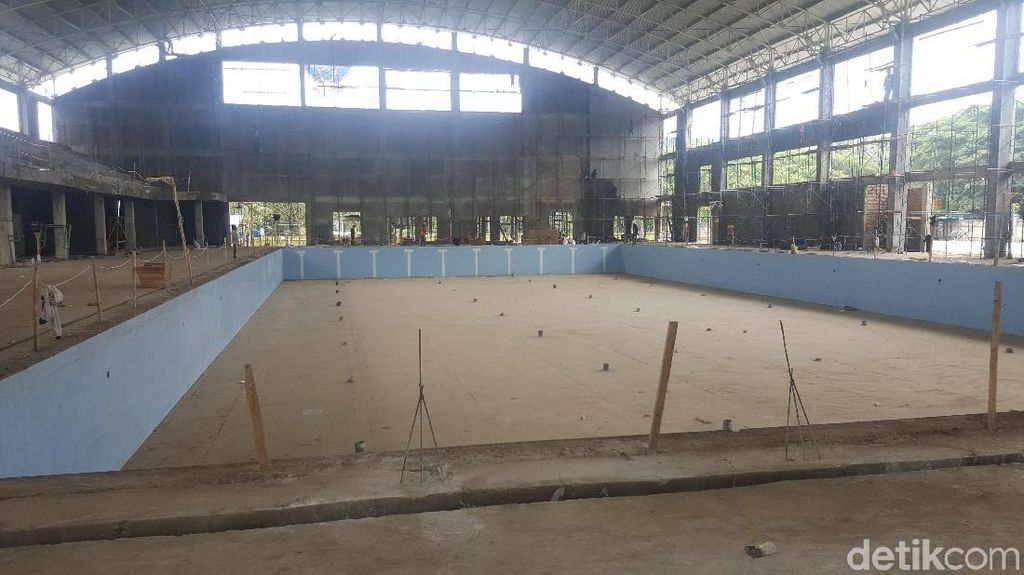 Finishing Kolam Renang Indoor Pemkab Malang Habiskan Rp 10 M
