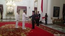 Jokowi Resmi Lantik Sultan dan Pakualam Jadi Gubernur dan Wagub DIY
