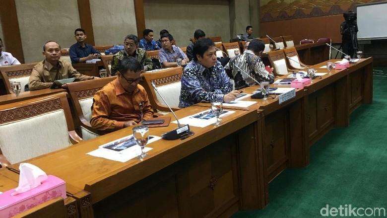 Sri Mulyani ke Amerika, Menperin Gantikan Rapat di DPR