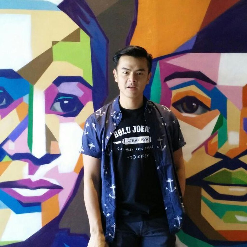 Dion Wiyoko Gunakan Kemampuan Fotografi untuk Beramal