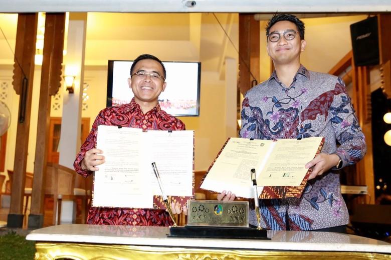 Banyuwangi Gandeng GoJek Antar Obat - Banyuwangi Pemkab Banyuwangi dan GoJek Indonesia resmi meneken nota kesepahaman untuk meningkatkan layanan GoJek akan menyediakan fasilitas antar