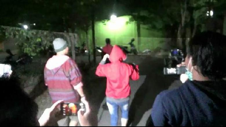 Seranjang dengan Istri Orang, Oknum Polisi Digerebek Warga