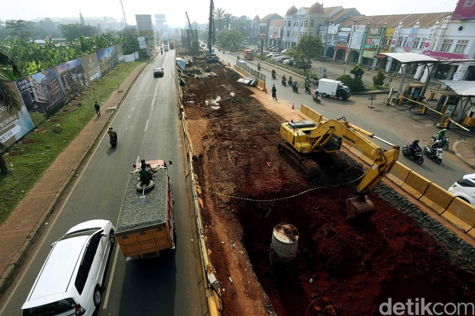 Kondisi Terkini Pembangunan Tol Cimaci di Jalan Transyogi Cibubur