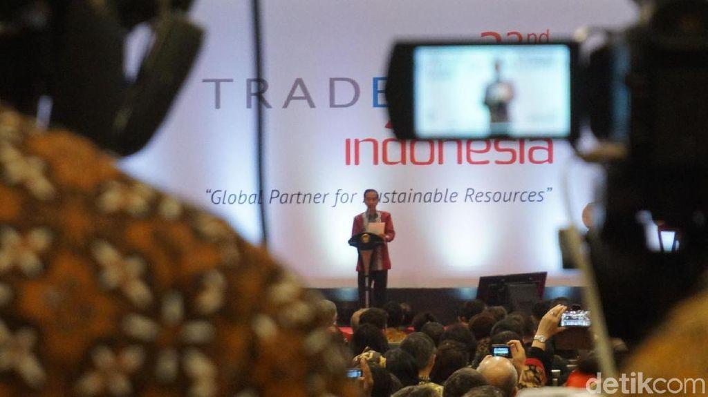 Pukul Bedug, Jokowi Buka Trade Expo Indonesia ke-32