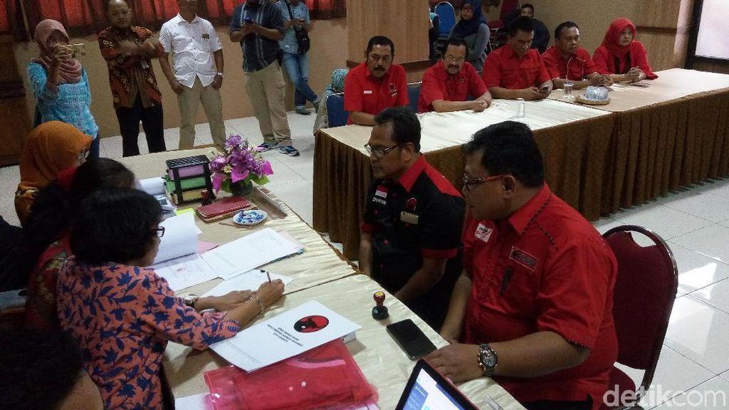 PDIP Terdaftar Sebagai Parpol Pertama di KPU Surakarta