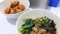 Mie Ayam Super Pedas hingga Racikan Artis Bisa Dicoba di Tempat Ini