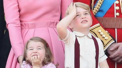 Seberapa Banyak Ya Hadiah Natal Pangeran George dan Putri Charlotte?