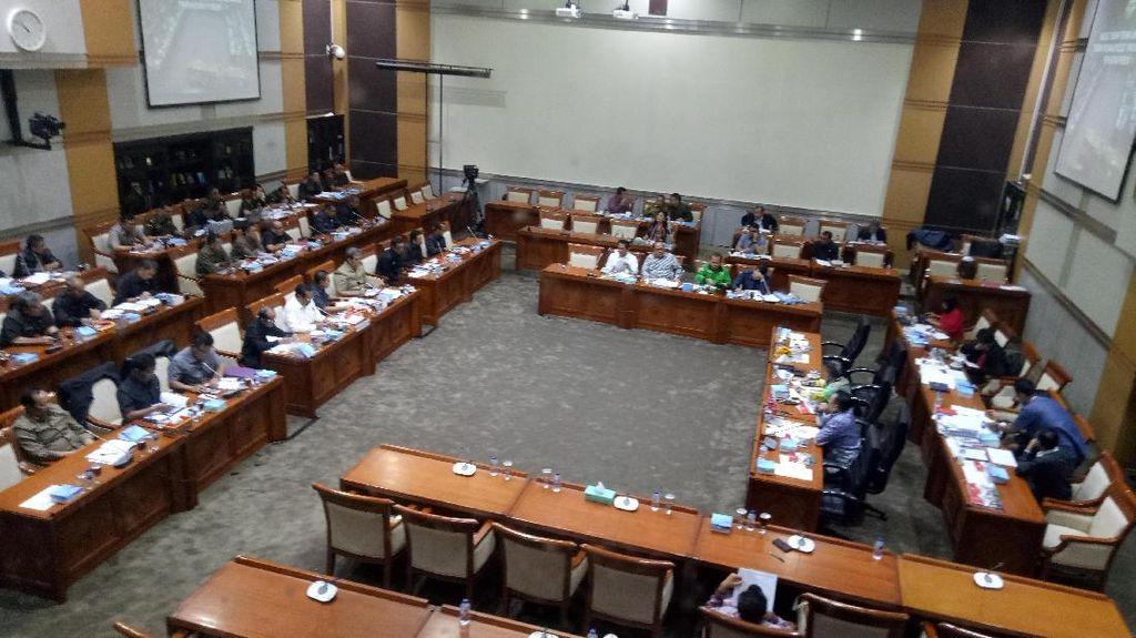 Ada Paripurna, Rapat DPR dengan KPK-Polri-Kejagung Diusulkan Ditunda