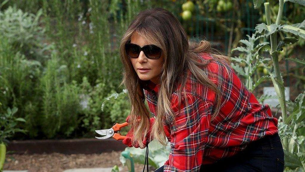 5 Fashion Harga Terjangkau yang Pernah Dipakai Melania Trump