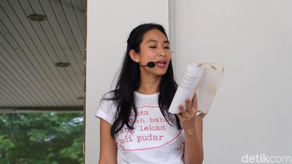 Happy Salma Ungkap Tantangan Garap Produksi Perempuan Perempuan Chairil
