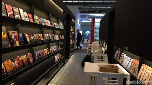 Emmanuel Macron Resmi Buka Frankfurt Book Fair 2017
