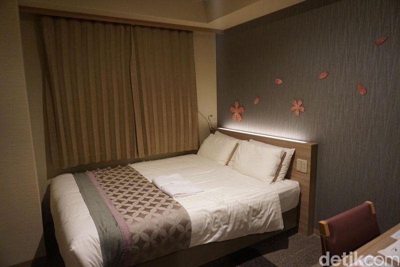 detikTravel memesan 1 kamar di hotel ini akhir pekan lalu. Lewat aplikasi Booking.com, memesan kamar hanya perlu 1-2 kali sentuhan jari tangan. Traveler bisa membayar saat sudah tiba dan check in di hotel (Wahyu/detikTravel)