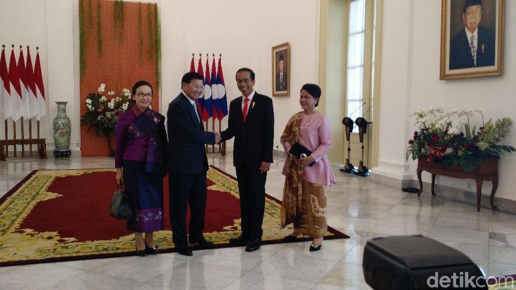 PM Laos Kunjungi Jokowi, 17 Tembakan Meriam Berdentum