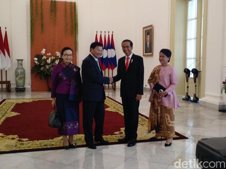 Jokowi Sebut Indonesia Siap Ekspor Pesawat dan Alutsista ke Laos