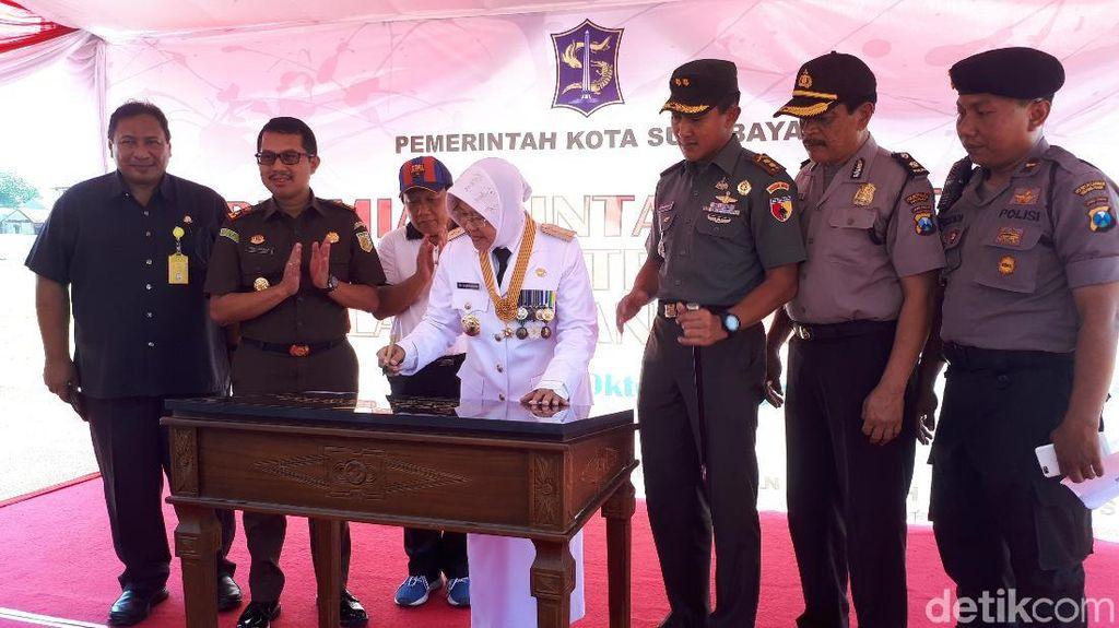 Resmikan Lapangan Thor, Risma Ingin Surabaya Punya Atlet Nasional