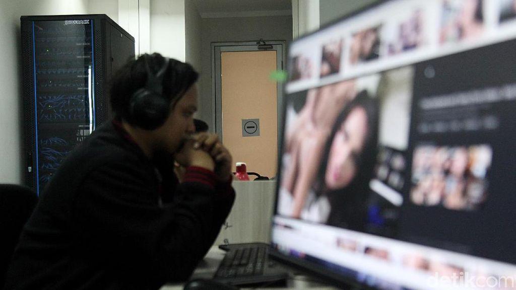 Di Inggris, Buka Situs Porno Harus Pakai SIM atau Paspor
