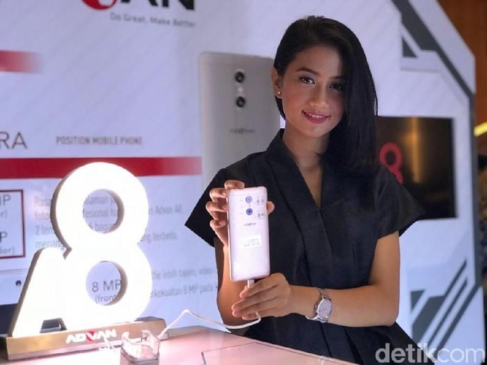 Ponsel terbaru Advan dengan fitur kamera ganda. Foto: detikINET/Adi Fida Rahman