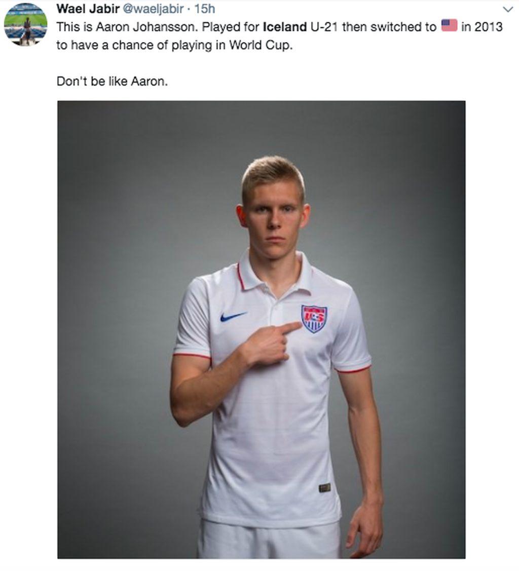 Ini adalah pemain timnas AS Aron Johanson. Aron orang tuanya berasal dari Islandia dan dulu membela timnas Islandia. Tapi karena lahir di Amerika Serikat, ia bisa membela timnas AS dan memutuskan demikian. Sayang, keputusannya itu salah karena justru Islandia sekarang lolos, AS tidak. Foto: istimewa