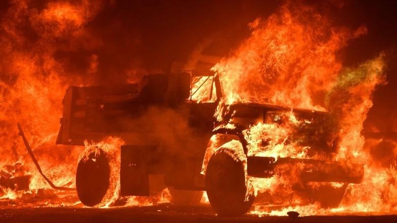 Kebakaran Hebat di California: Seperti Ledakan Bom Nuklir, Hancur Total