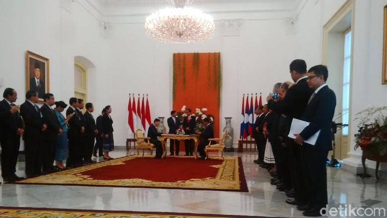 Jokowi dan PM Laos Teken Kerja Sama soal Pendidikan dan Narkoba