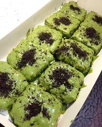 Pisang Nugget Jakarta dengan topping green tea yang manis empuk.