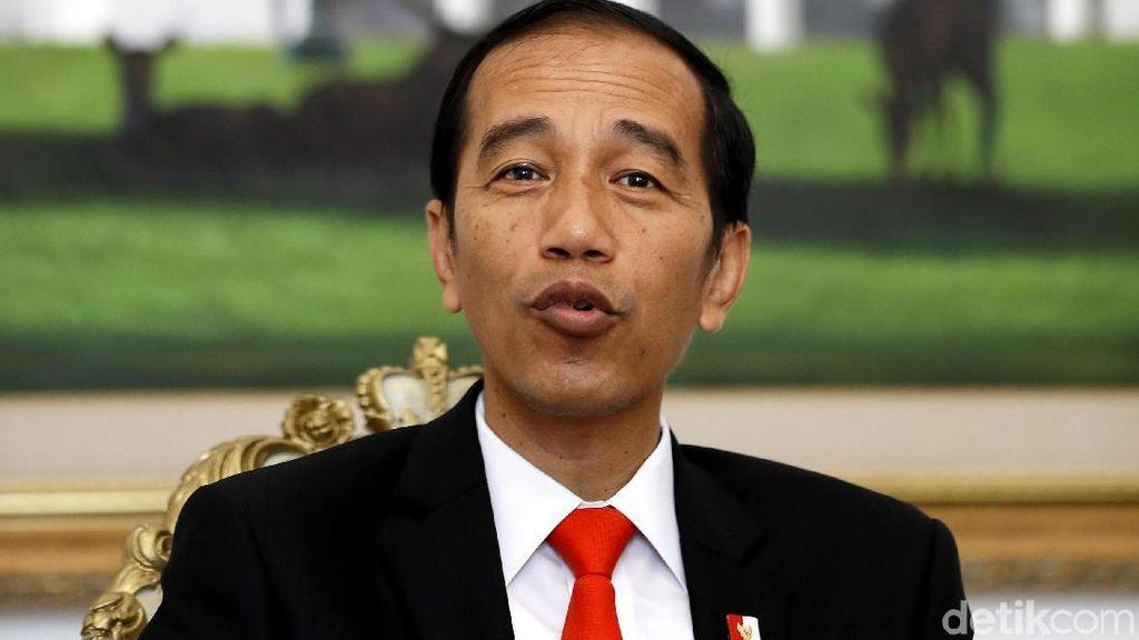 Lantangnya Jokowi Baca Puisi Sumpah Abadi Karya Dee Lestari