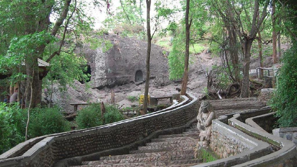 Gua Selomangleng, Situs Purbakala nan Eksotik di Kaki Gunung Klotok