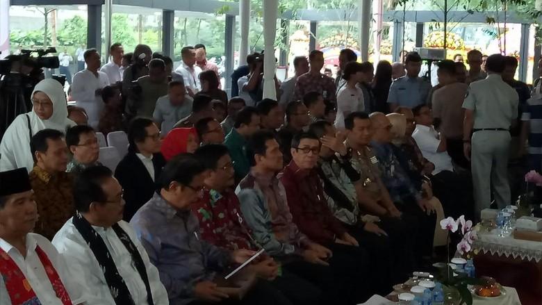 Djarot dan Sejumlah Menteri Resmikan Mal Pelayanan Publik