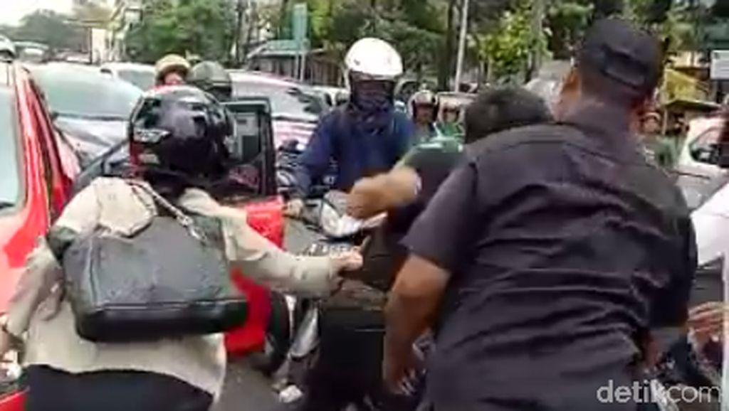 Jaga Emosi, Orang Jakarta Darah Tinggi Kalau Kena Macet