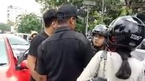 Detik-detik Menegangkan Anggota TNI AL Baku Hantam dengan Pemobil