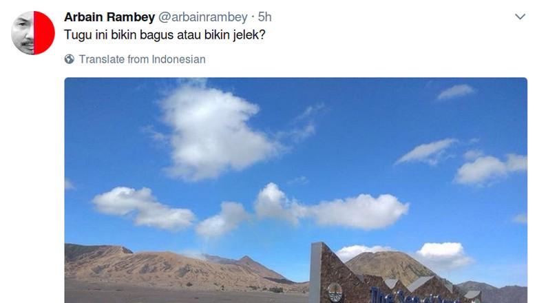 TNBTS Bangun Tugu di Lautan Pasir dan Bukit Teletubbies Gunung Bromo