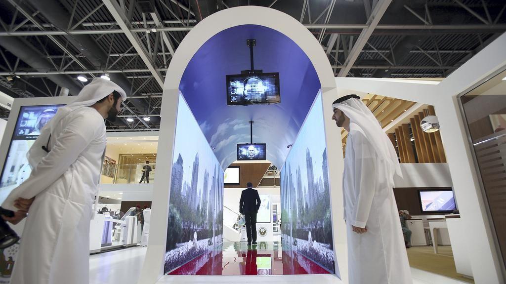 Mutakhir! Bandara Dubai Ganti X-Ray dengan Akuarium Virtual