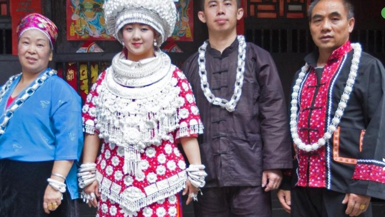 Pengantin etnis Miao di China yang memakai atribut serba perak (BBC Travel)