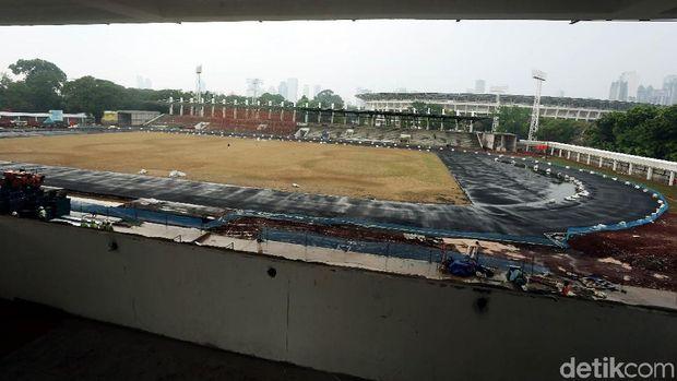 Stadion madya sedang direnovasi