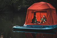 Tenda memiliki ruang udara yang membuat tenda tetap mengapung di air (SmithFly)