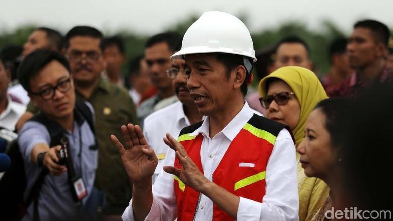 Soal Bayar Tol Non Tunai, Jokowi: Masa Mau Cash Terus