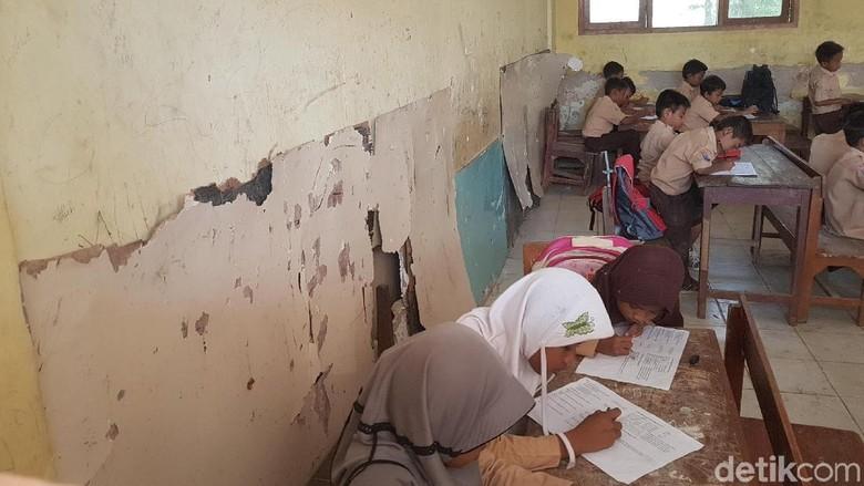 Berada di Pusat Kota Serang, Sekolah Dasar Ini Justru Rusak