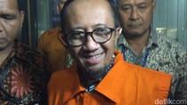 Ditahan KPK terkait Suap Moge, GM Jasa Marga Purbaleunyi Tersenyum