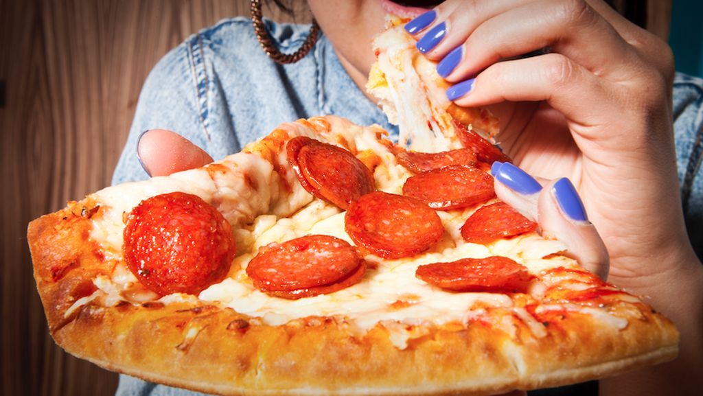 Yuk, Mulai Hilangkan 6 Kebiasaan Makan yang Buruk Ini!