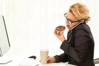 Pengaruh Teman Kerja hingga Tak Bawa Bekal ke Kantor Bisa Bikin Berat Badan Naik