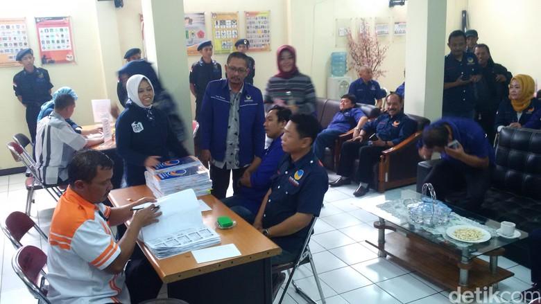 Baru 4 Parpol Serahkan Berkas Pendaftaran ke KPU Kota Bandung