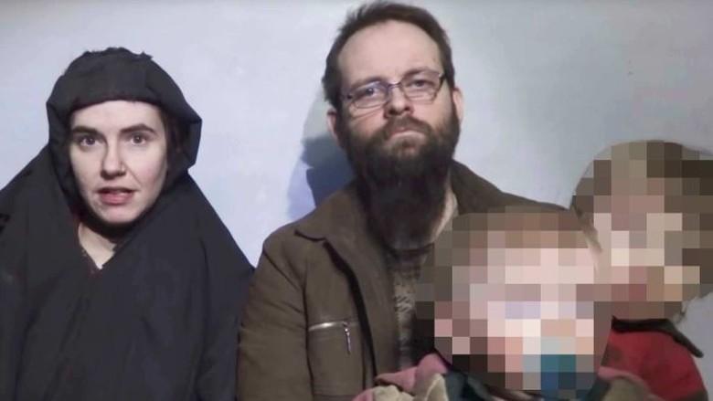 Pasangan Ini Dibebaskan Kelompok Ekstremis Setelah Punya Tiga Anak