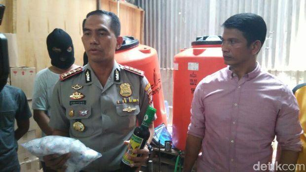 Pabrik Miras Oplosan di Kelapa Gading Digerebek, 4 Orang Ditangkap