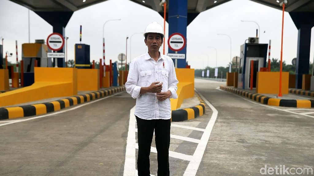 Jokowi Resmikan 2 Ruas Tol Trans Sumatera