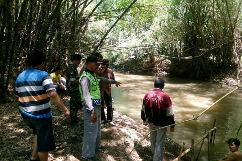 Basarnas Cari Ayah Dua Anak yang Hanyut di Sungai saat Mandi