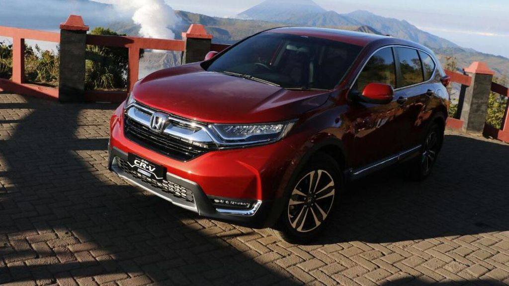Honda Tarik CR-V Model 2017 di Indonesia