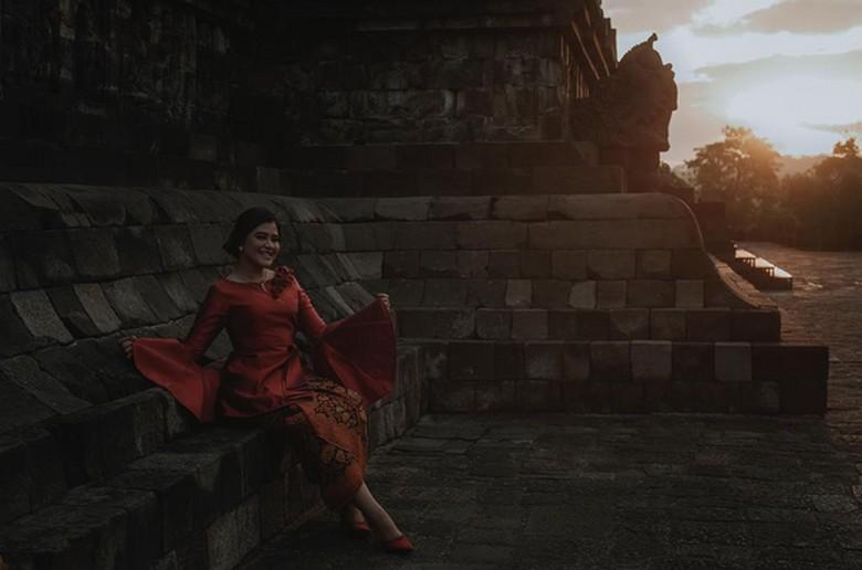 Berkebaya Kahiyang Pamer Foto di - Jakarta Pernikahan Kahiyang Ayu dan Bobby Nasution berlangsung bulan Segala persiapan termasuk soal Putri Presiden Joko Widodo itu