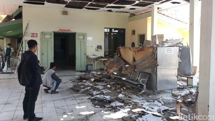 Ledakan lemari jenazah di RSUD Pati, Jawa Tengah (Foto: Arif Syaefudin/detikcom)