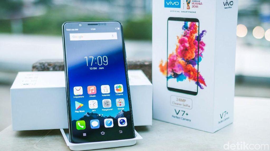 Unboxing Ponsel Jagoan Selfie Vivo V7+